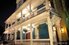 La nuit les beaux quartiers sont aussi magnifiques à découvrir