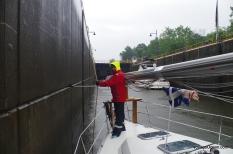 Journée d'éclusage sous la pluie diluvienne
